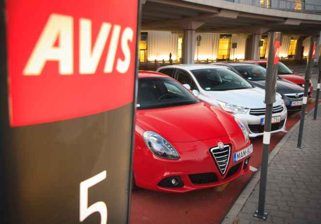 Avis Budget Group se expande en Google Places, Facebook y Foursquare