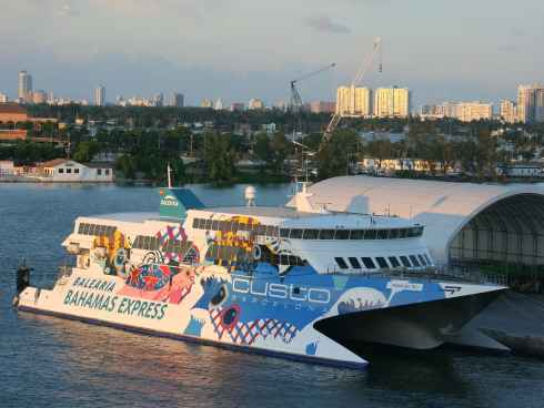 Bale ria bahamas express primer ferry a gran bahama for Oficinas balearia