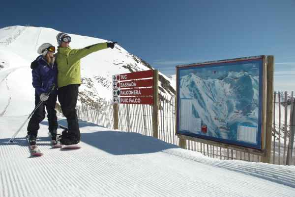 Bo ta ll resort alberg a m s de esquiadores diarios - Apartamentos boi taull resort ...