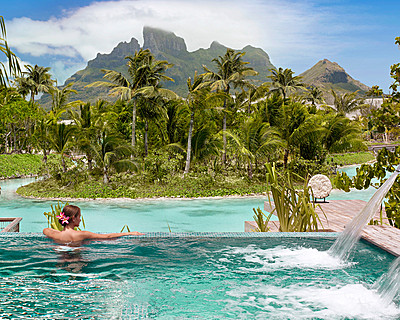 Four Seasons Resort Bora Bora, Polinesia Francesa - Resort de 5 estrellas de lujo- Piscina de borde infinito