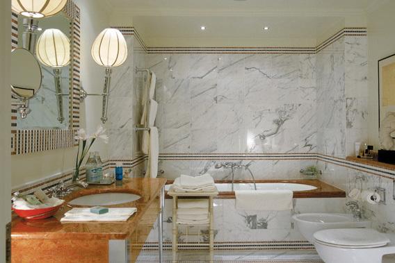 Dormitorios peque os minimalistas - Banos de hoteles de lujo ...