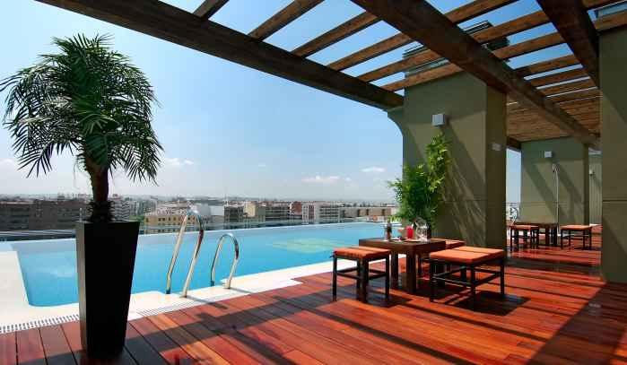 Hoteles center presenta sus propuestas de terrazas veraniegas for Terraza casa fuster