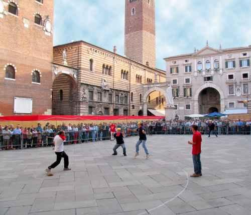 Turespa a presente en el festival tocati de verona for Oficina de turismo de suiza en madrid