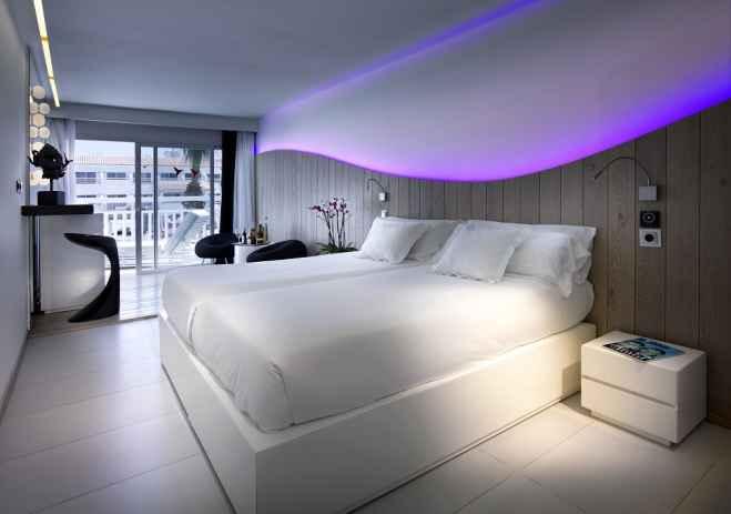 Ushua a ibiza beach hotel presenta 2 nuevas tipolog as de for Hotel habitacion familiar ibiza