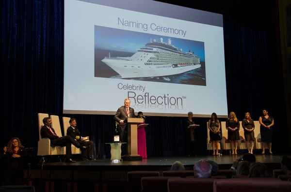 Celebrity Cruises bautiza su nuevo crucero Celebrity Reflection