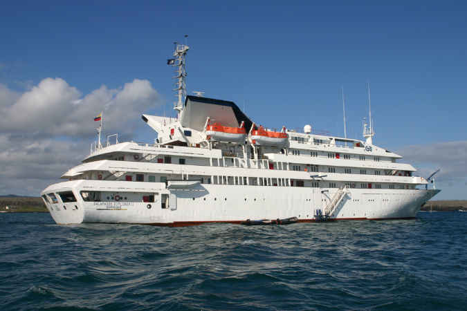 Silversea compra crucero de expedición y empresa de turismo en las Galápagos